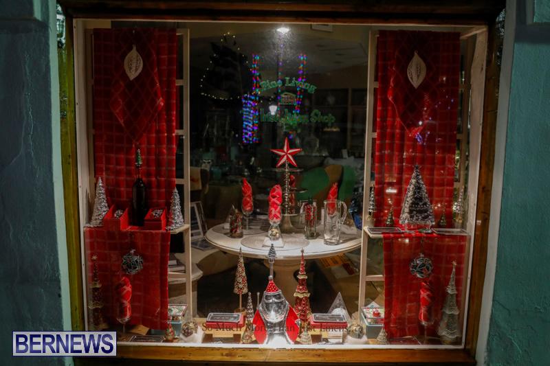 Hamilton-Storefronts-Christmas-Decorations-Lights-Bermuda-December-22-2017-7614