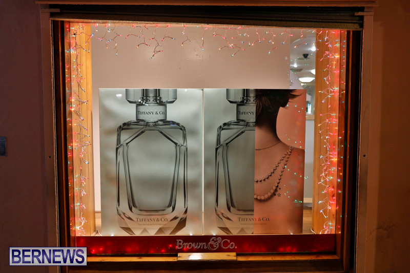 Hamilton-Storefronts-Christmas-Decorations-Lights-Bermuda-December-22-2017-7627
