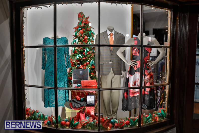 Hamilton-Storefronts-Christmas-Decorations-Lights-Bermuda-December-22-2017-7640