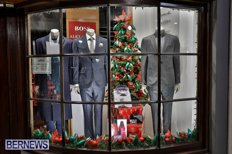 Hamilton-Storefronts-Christmas-Decorations-Lights-Bermuda-December-22-2017-7644