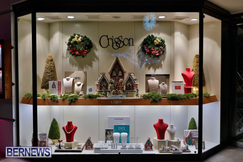 Hamilton-Storefronts-Christmas-Decorations-Lights-Bermuda-December-22-2017-7653