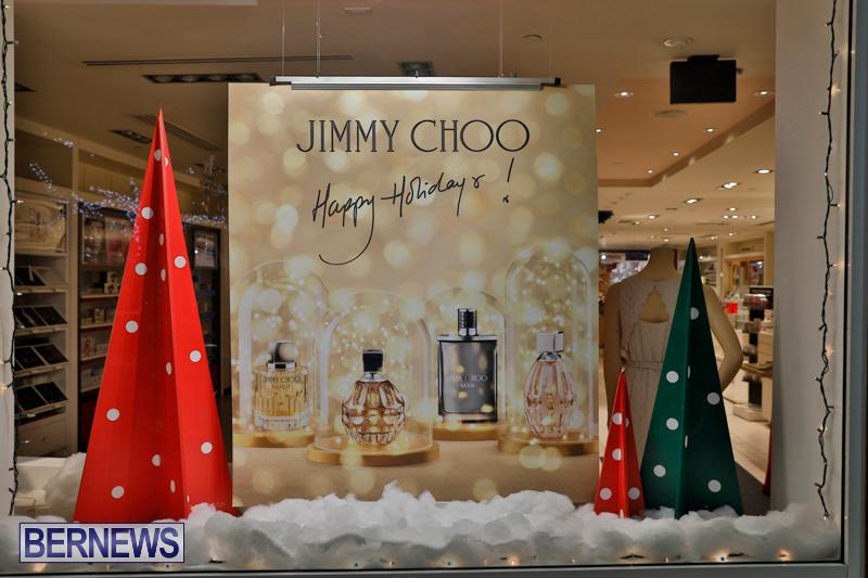 Hamilton-Storefronts-Christmas-Decorations-Lights-Bermuda-December-22-2017-7669
