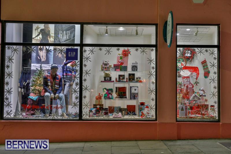 Hamilton-Storefronts-Christmas-Decorations-Lights-Bermuda-December-22-2017-7705