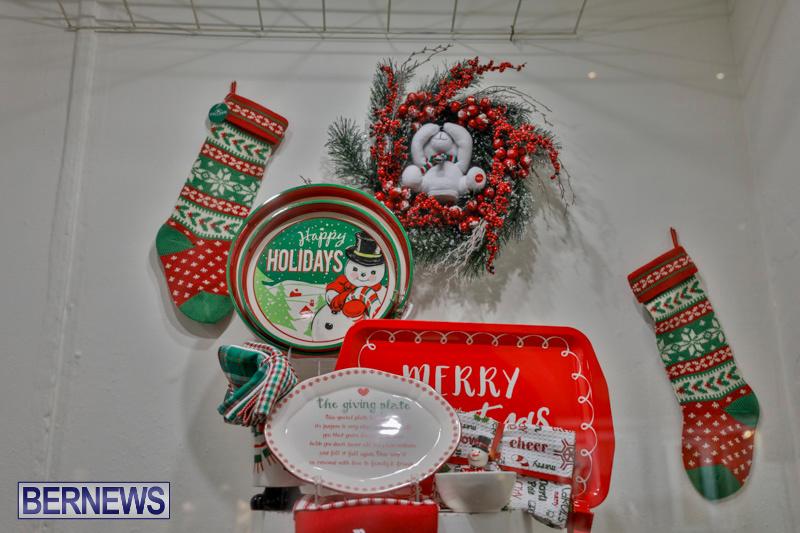 Hamilton-Storefronts-Christmas-Decorations-Lights-Bermuda-December-22-2017-7709