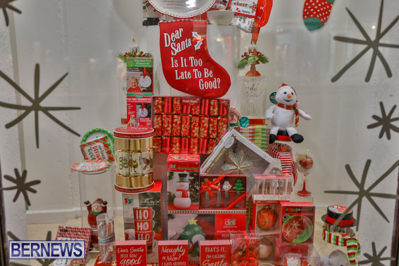 Hamilton-Storefronts-Christmas-Decorations-Lights-Bermuda-December-22-2017-7713