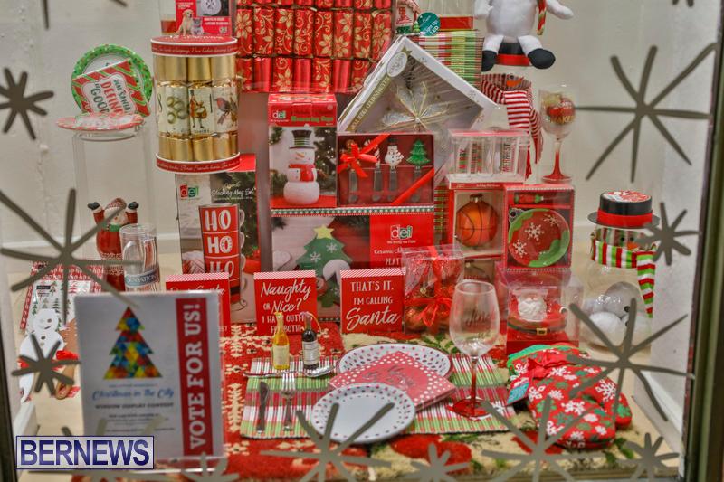 Hamilton-Storefronts-Christmas-Decorations-Lights-Bermuda-December-22-2017-7717