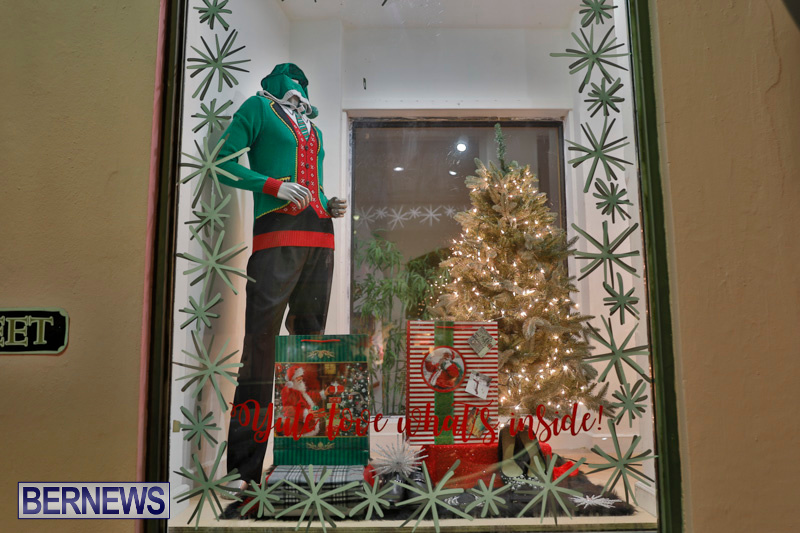 Hamilton-Storefronts-Christmas-Decorations-Lights-Bermuda-December-22-2017-7737