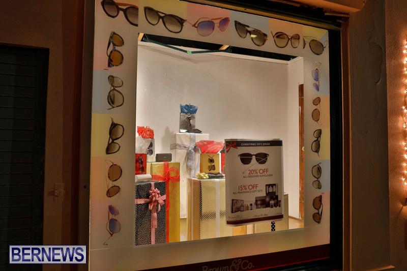 Hamilton-Storefronts-Christmas-Decorations-Lights-Bermuda-December-22-2017-7741