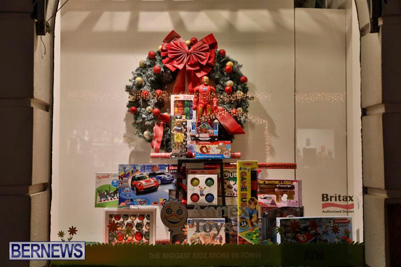 Hamilton-Storefronts-Christmas-Decorations-Lights-Bermuda-December-22-2017-7753