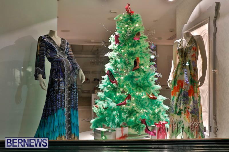 Hamilton-Storefronts-Christmas-Decorations-Lights-Bermuda-December-22-2017-7765