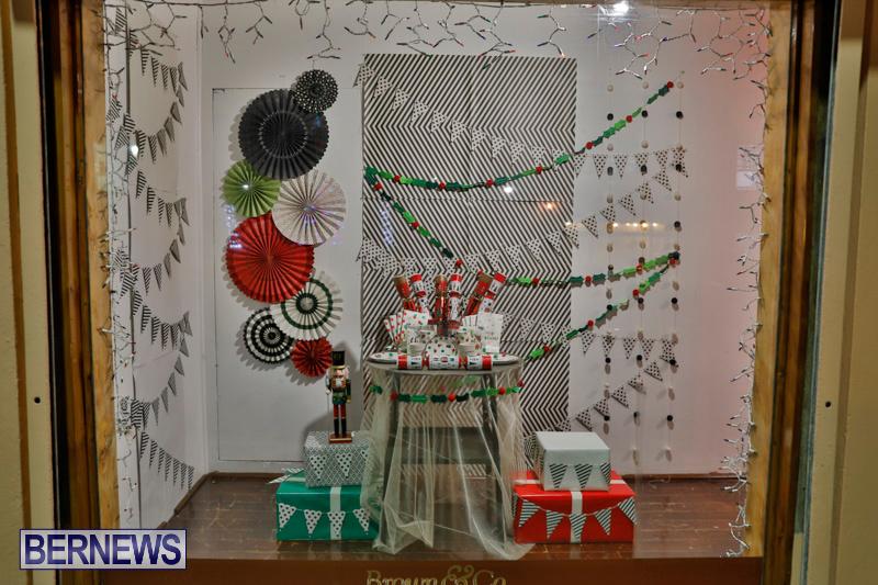 Hamilton-Storefronts-Christmas-Decorations-Lights-Bermuda-December-22-2017-7769
