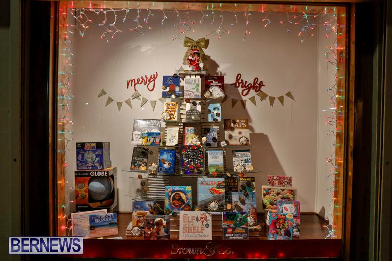 Hamilton-Storefronts-Christmas-Decorations-Lights-Bermuda-December-22-2017-7777