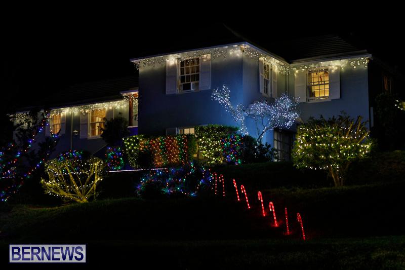 Jennings-Road-Christmas-Decorations-Lights-Bermuda-December-20-2017-6729