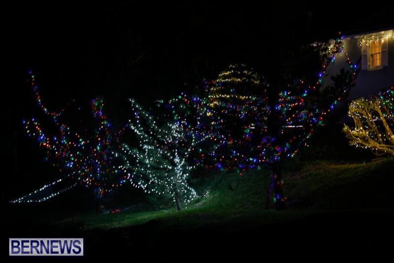 Jennings-Road-Christmas-Decorations-Lights-Bermuda-December-20-2017-6737
