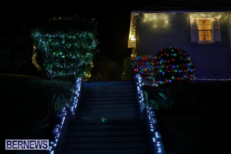 Jennings-Road-Christmas-Decorations-Lights-Bermuda-December-20-2017-6753