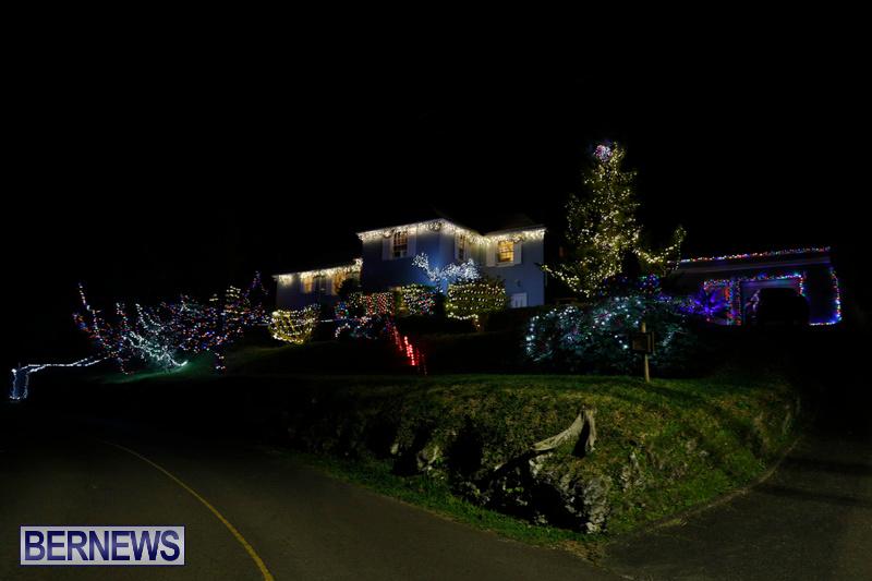 Jennings-Road-Christmas-Decorations-Lights-Bermuda-December-20-2017-6773