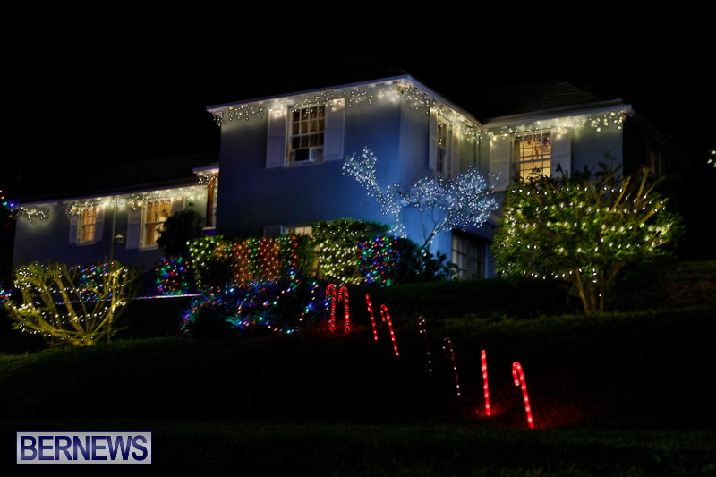 Jennings-Road-Christmas-Decorations-Lights-Bermuda-December-20-2017-6777