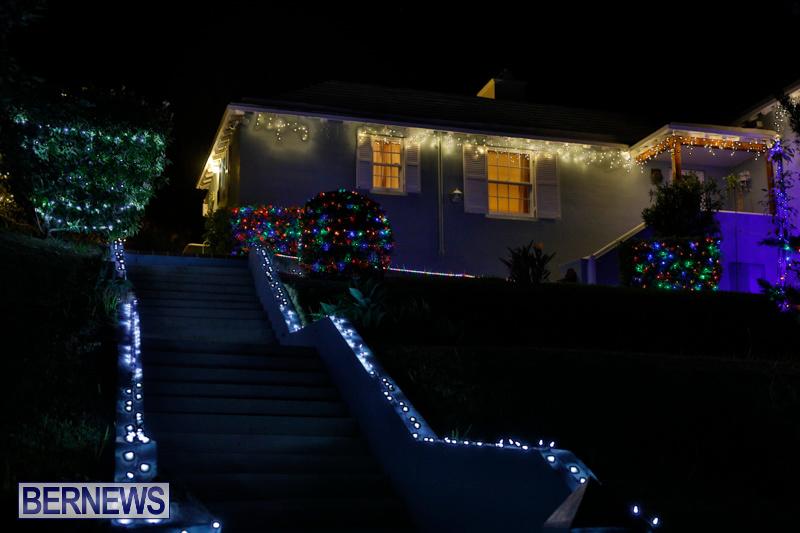 Jennings-Road-Christmas-Decorations-Lights-Bermuda-December-20-2017-6793