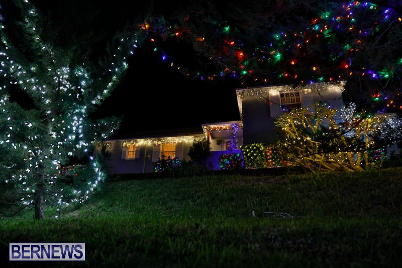 Jennings-Road-Christmas-Decorations-Lights-Bermuda-December-20-2017-6805