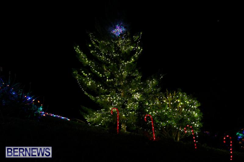 Jennings-Road-Christmas-Decorations-Lights-Bermuda-December-20-2017-6809