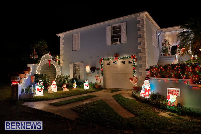 North-Cote-Close-Christmas-Decorations-Lights-Bermuda-December-20-2017-7024