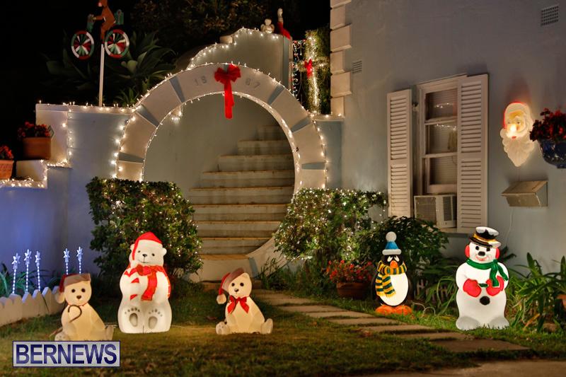 North-Cote-Close-Christmas-Decorations-Lights-Bermuda-December-20-2017-7036