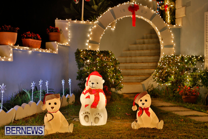 North-Cote-Close-Christmas-Decorations-Lights-Bermuda-December-20-2017-7044