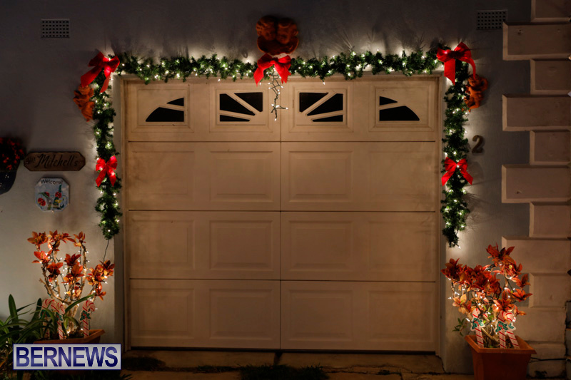 North-Cote-Close-Christmas-Decorations-Lights-Bermuda-December-20-2017-7052