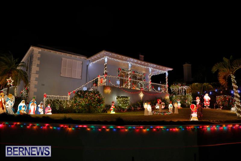 North-Cote-Close-Christmas-Decorations-Lights-Bermuda-December-20-2017-7056