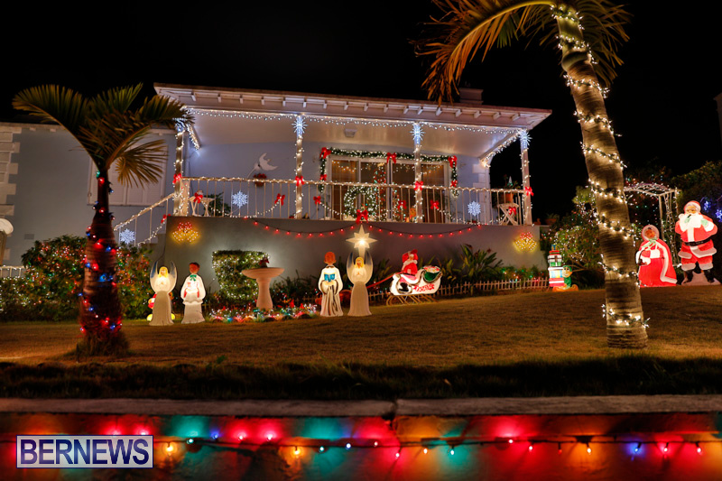North-Cote-Close-Christmas-Decorations-Lights-Bermuda-December-20-2017-7068
