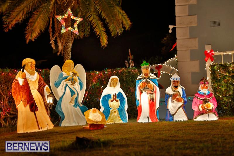 North-Cote-Close-Christmas-Decorations-Lights-Bermuda-December-20-2017-7080