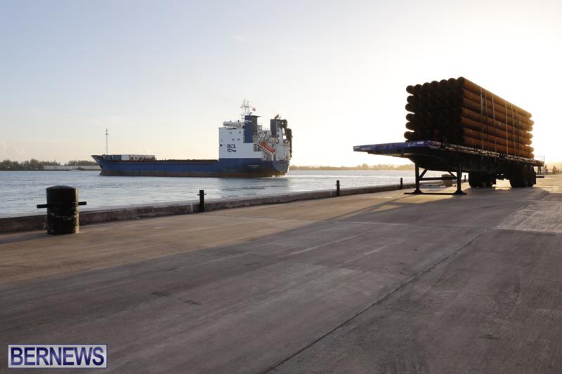 Oleander Container Ship Bermuda Dec 19 2017 (2)