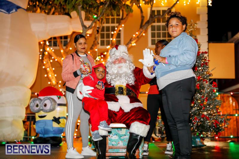 Santa-Comes-To-St-Georges-Bermuda-December-2-2017_3391