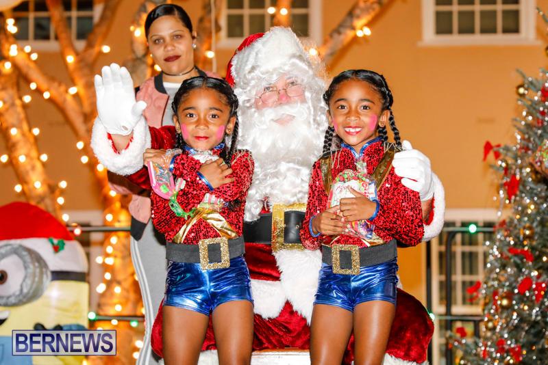 Santa-Comes-To-St-Georges-Bermuda-December-2-2017_3407