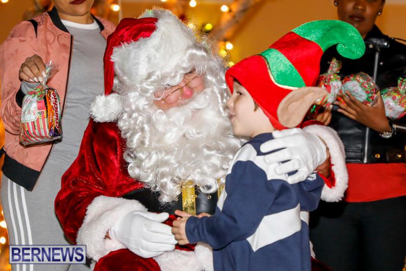 Santa-Comes-To-St-Georges-Bermuda-December-2-2017_3411
