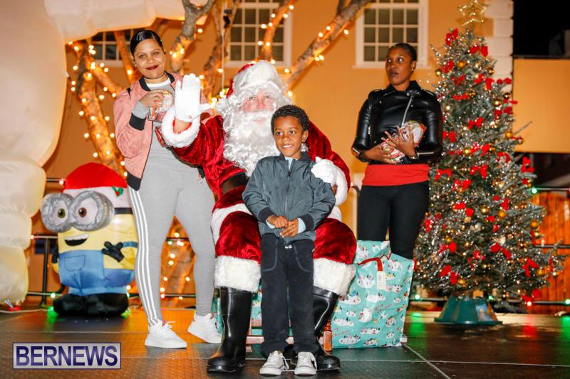 Santa-Comes-To-St-Georges-Bermuda-December-2-2017_3424