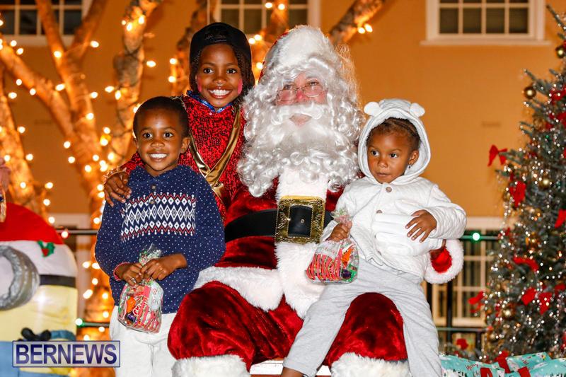 Santa-Comes-To-St-Georges-Bermuda-December-2-2017_3439