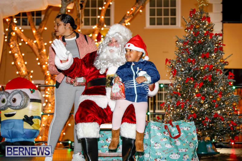 Santa-Comes-To-St-Georges-Bermuda-December-2-2017_3447