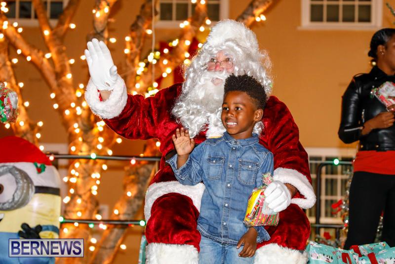 Santa-Comes-To-St-Georges-Bermuda-December-2-2017_3453