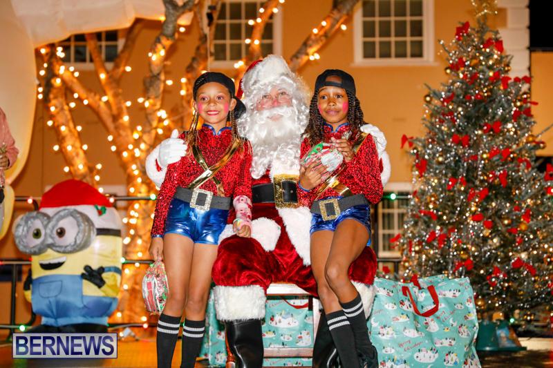 Santa-Comes-To-St-Georges-Bermuda-December-2-2017_3455