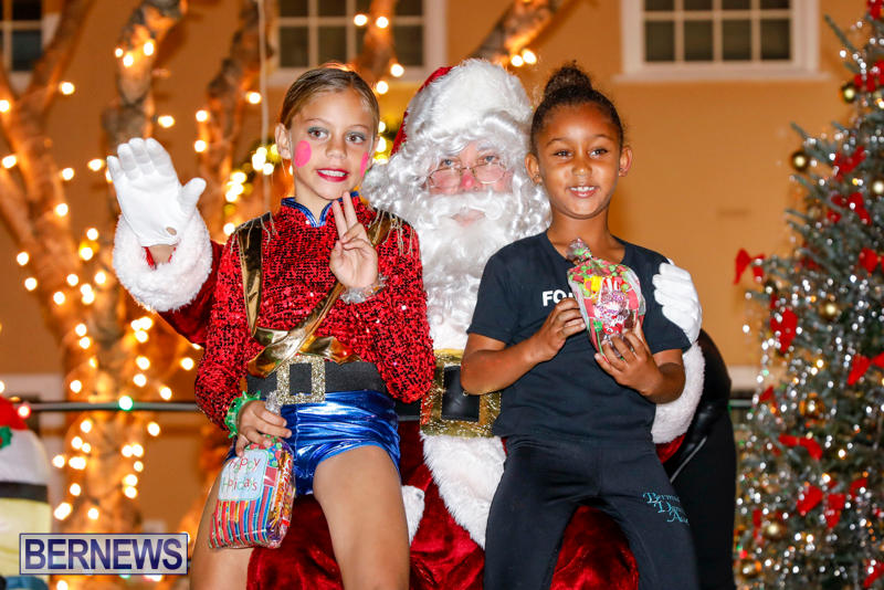 Santa-Comes-To-St-Georges-Bermuda-December-2-2017_3461