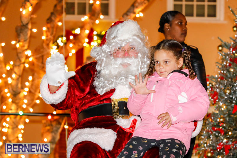 Santa-Comes-To-St-Georges-Bermuda-December-2-2017_3495