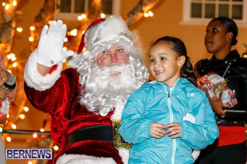 Santa-Comes-To-St-Georges-Bermuda-December-2-2017_3512