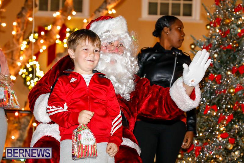 Santa-Comes-To-St-Georges-Bermuda-December-2-2017_3519