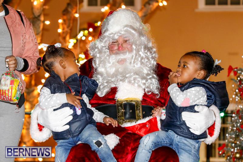 Santa-Comes-To-St-Georges-Bermuda-December-2-2017_3575