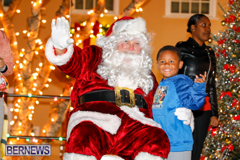 Santa-Comes-To-St-Georges-Bermuda-December-2-2017_3577