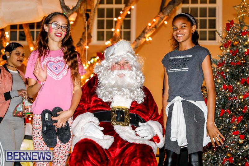 Santa-Comes-To-St-Georges-Bermuda-December-2-2017_3584