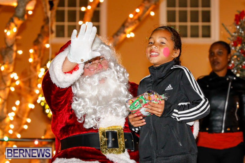Santa-Comes-To-St-Georges-Bermuda-December-2-2017_3592