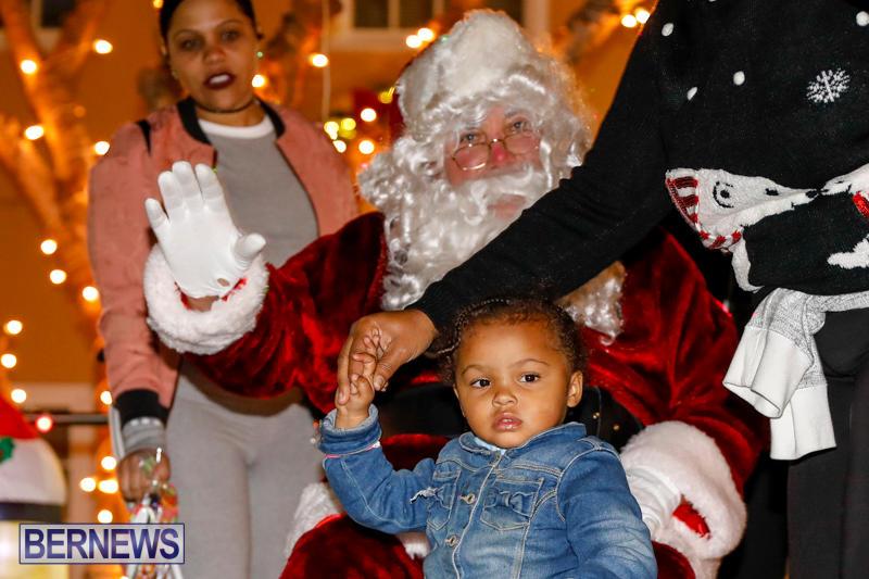 Santa-Comes-To-St-Georges-Bermuda-December-2-2017_3612