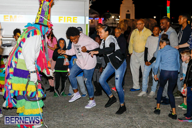 Santa-Comes-To-St-Georges-Bermuda-December-2-2017_3626